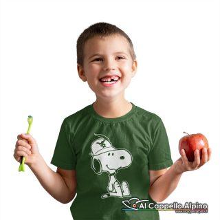 Amt9004 T Shirt Da Bimbo Con Snoopy Alpino Seduto Verde 01
