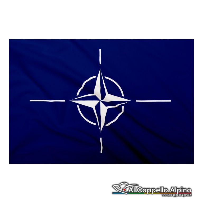 Bandiera NATO realizzata in poliestere leggero